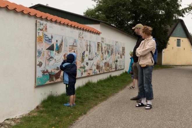 Auf dieser Bildtafel wird die Geschichte des Ortes dargestellt